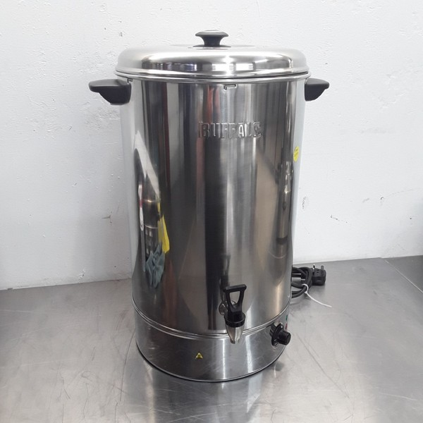 Used Buffalo GL349 Water Boiler 40 L (9619)