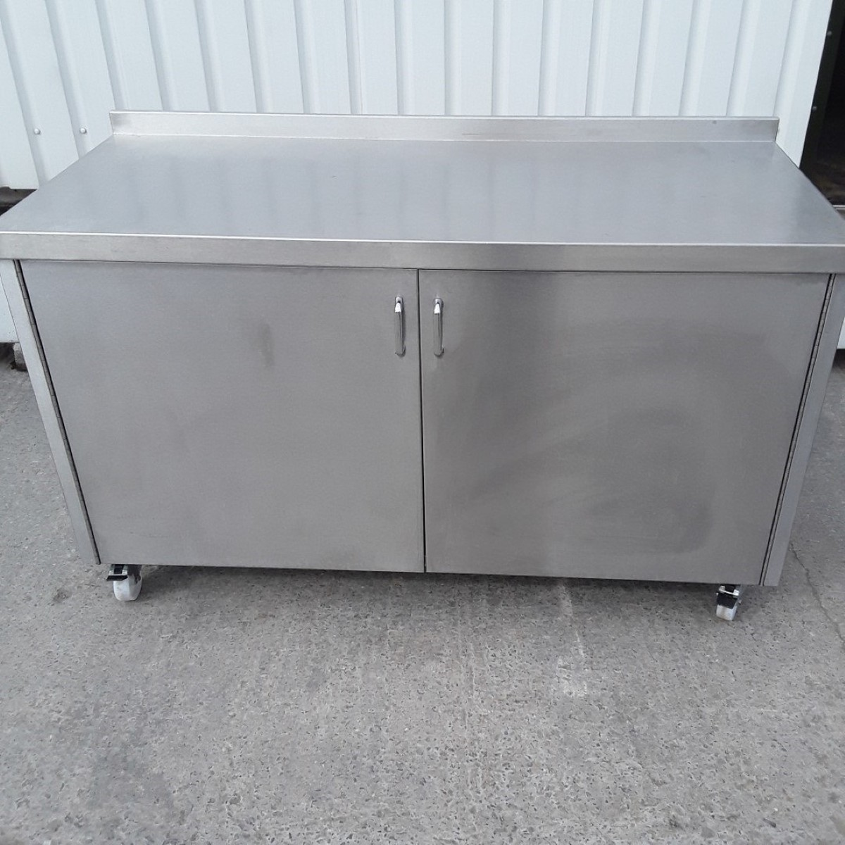 innovative design 76fb8 5de6f Used Stainless Steel Table Cabinet (9677) - Bridgwater, Somerset