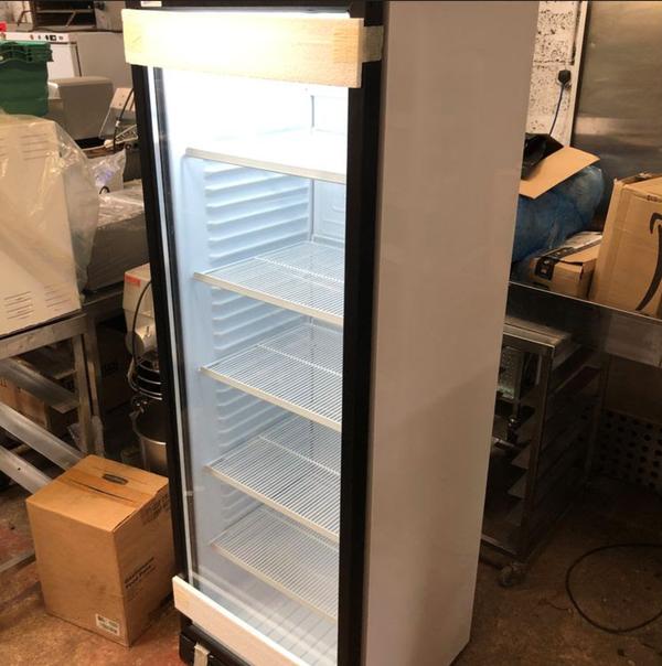 Secondhand bottle fridge