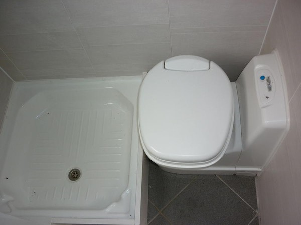 Toilet & Shower