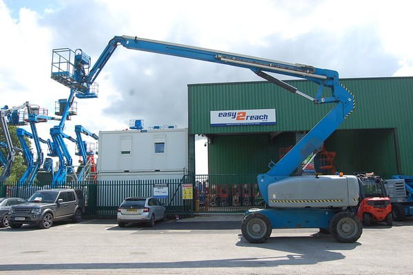 Secondhand boom lift