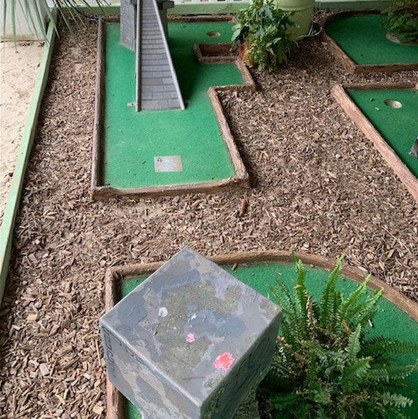 Jungle Mini Golf