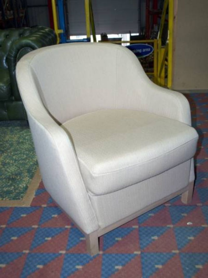 secondhand pub equipment lounge furniture 10x small 17210 | 10x small bedroom tub chairs with cream fabric upholstery cambridgeshire 424