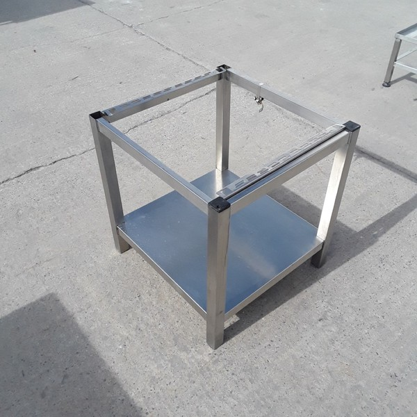 Used   Stainless Steel Stand(9858)