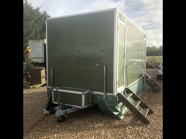 Used Luxury 3+1 recirculating toilet unit