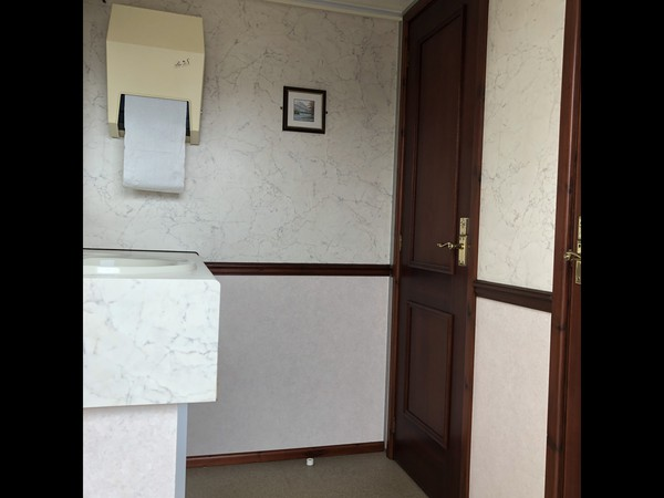 Selling Luxury Wessington Cabins 2+1 recirculating toilet units