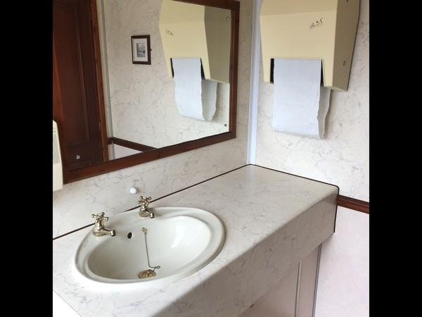 Used Luxury Wessington Cabins 2+1 recirculating toilet units