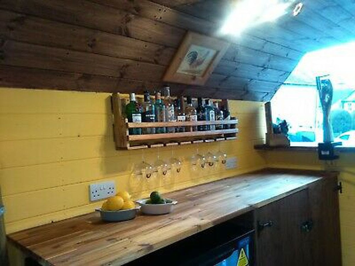 Secondhand Pub Equipment Pub Businesses For Sale Pub Bar Converted Horse Trailer Hope Valley Derbyshire