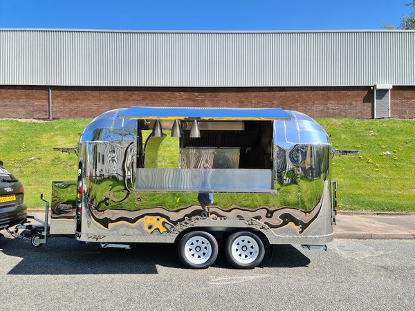 EC Type Approved UK/Europe Road Legal Airstream Mobile Catering Trailers