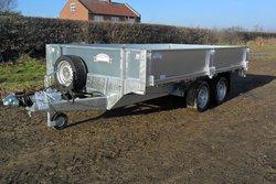 Twin axel drop side trailer