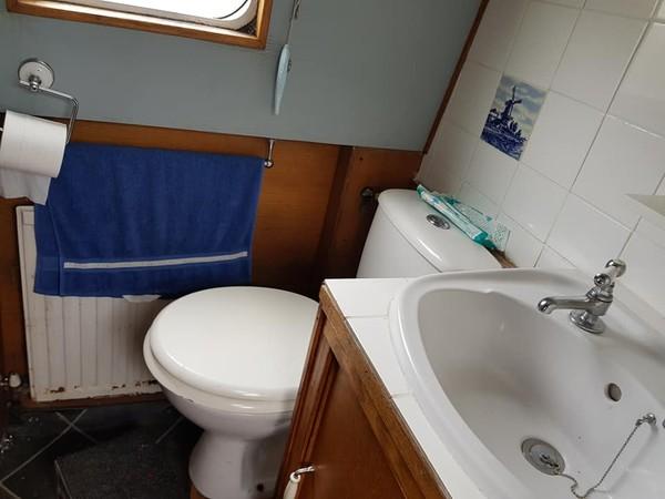 selling my narrowboat