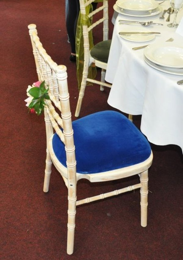 200x One Use Ashcrofts Lime-wash Chivari with New Seat Pads