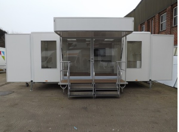 Show Trailer with Pod for sale