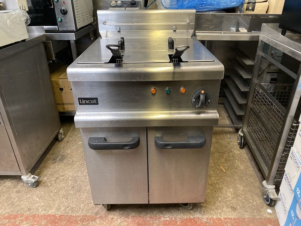 Lincat Opus Twin Basket Electric Fryer Sheffield