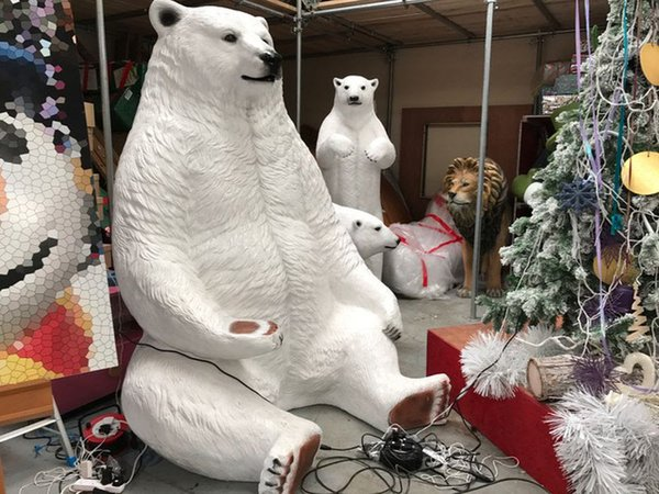 Photo Prop Giant 7ft Polar Bear Seat- Aintree, Liverpool