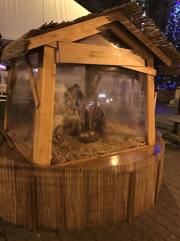 Indoor or Outdoor Nativity Crib