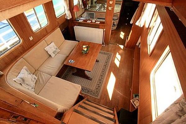 Barge 2 Berth Live Aboard