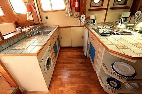 Barge Live Aboard 2 Berth