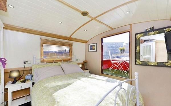 Double Bedroom interior Widebeam