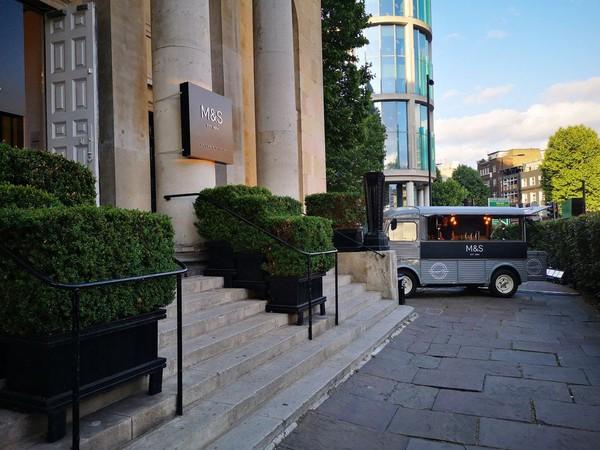 Secondhand mobile bar HY Van