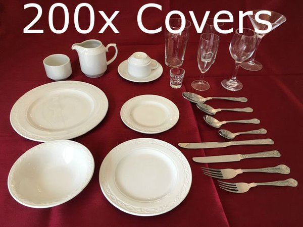 200x Covers of crockery, glassware and Cutlery