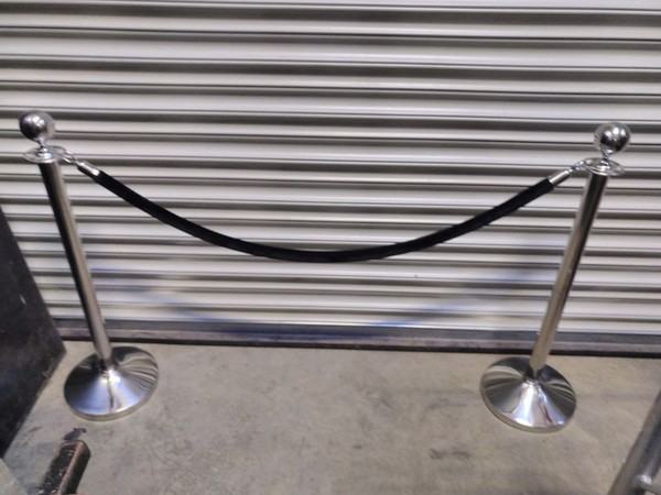 10x Chrome Post and Rope Barriers