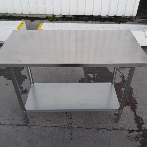 New B Grade Stainless Steel Table