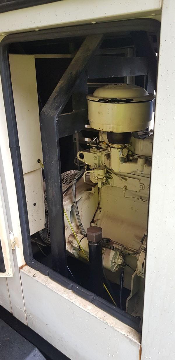 Second Hand 25 kVA road tow generator