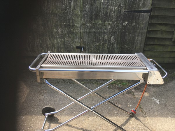 4Ft Cinders BBQ