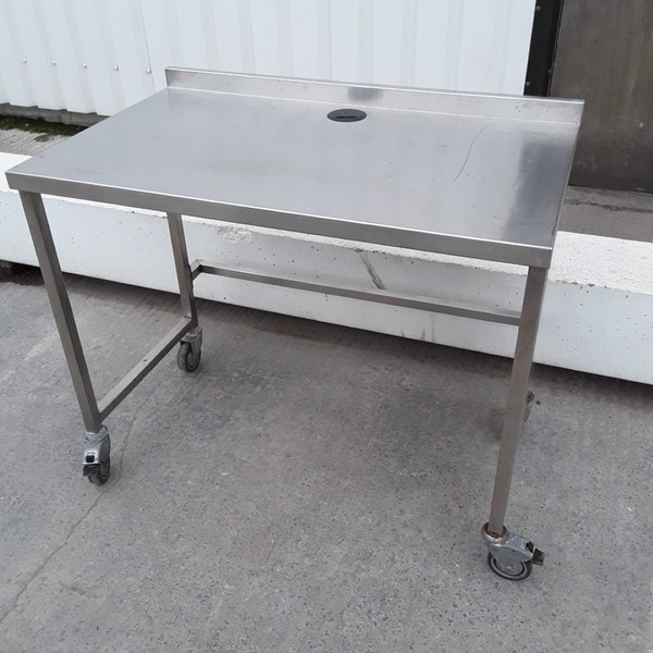 Used  Stainless Steel Table	(10271)