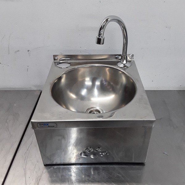 Used Knee Operated Hand Sink (10305)