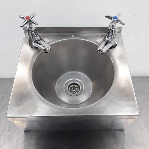 Used  Hand Sink (10306)