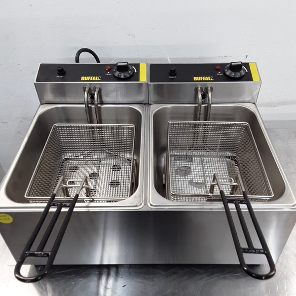Used Buffalo L485 Double Table Top Fryer 5L
