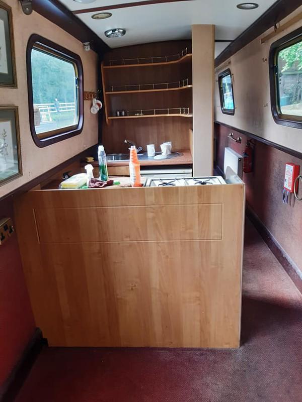 narrow boat live aboard