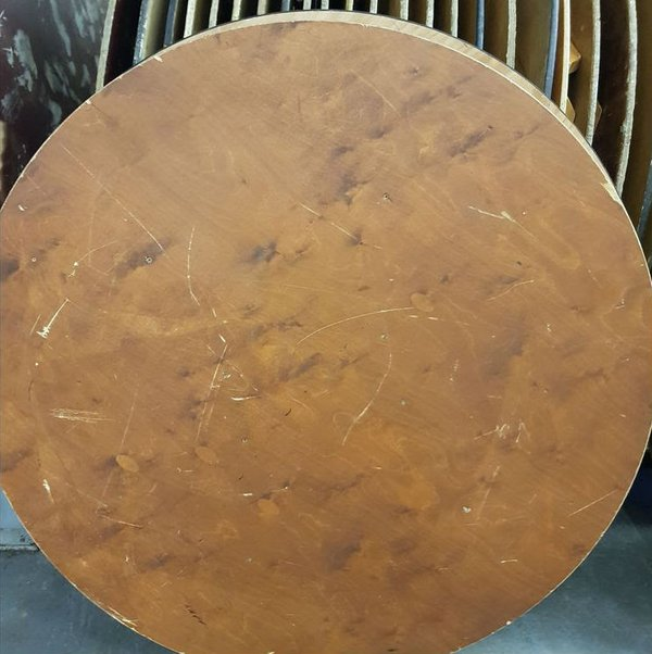 5Ft round tables for sale