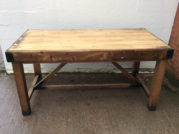 Large Poseur Table (CODE T 3292P)
