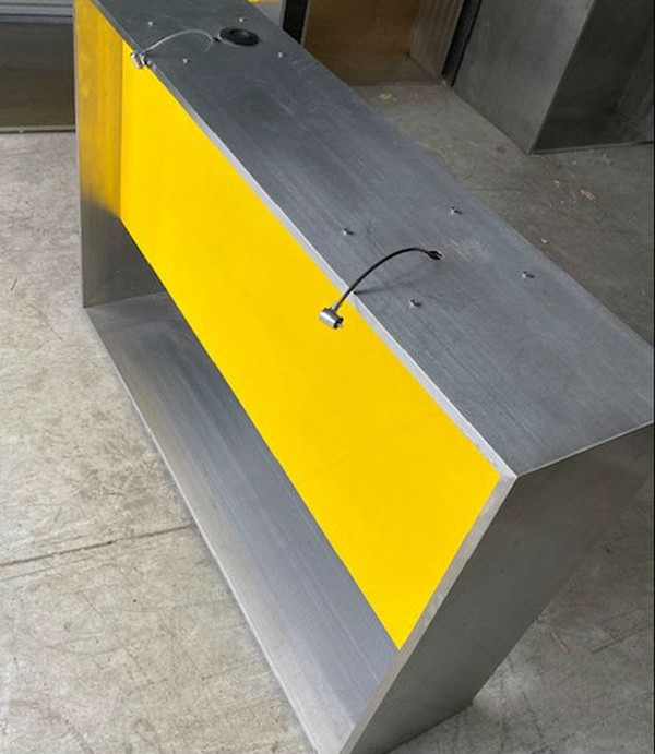 Shop counter in stainless steel