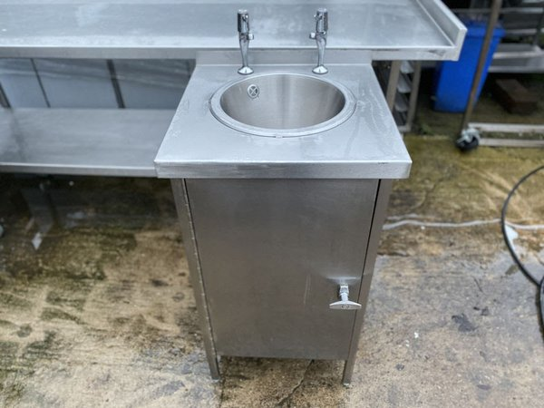 Freestanding Hand Wash Unit