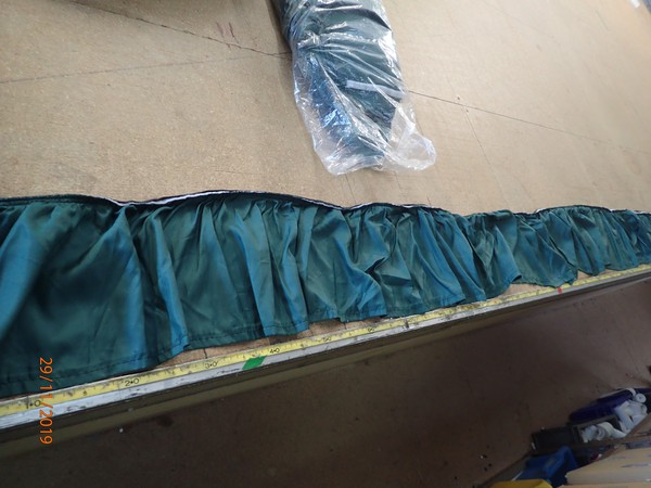 Used Valence Pelmet 27m Dark Green Straight