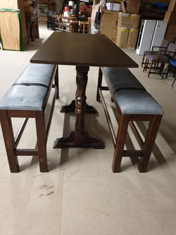 Poseur table and benches