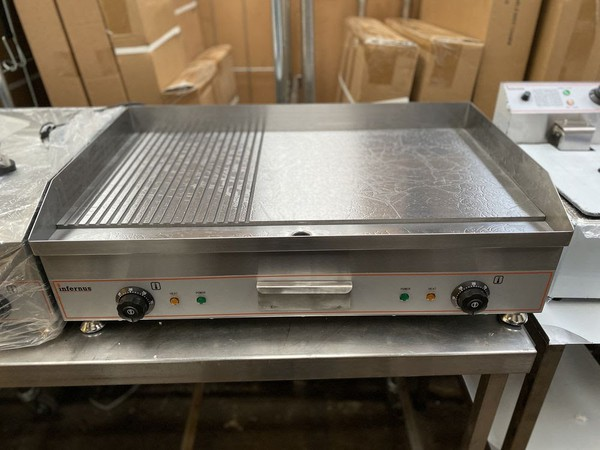 75cm Electric Half and Half Griddle