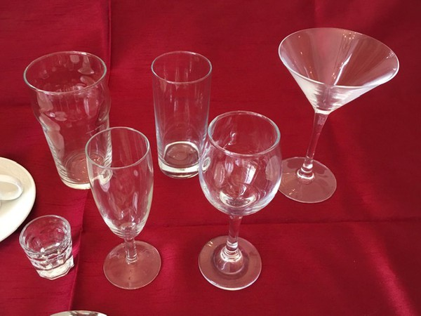 750x Assorted Glasses for sale