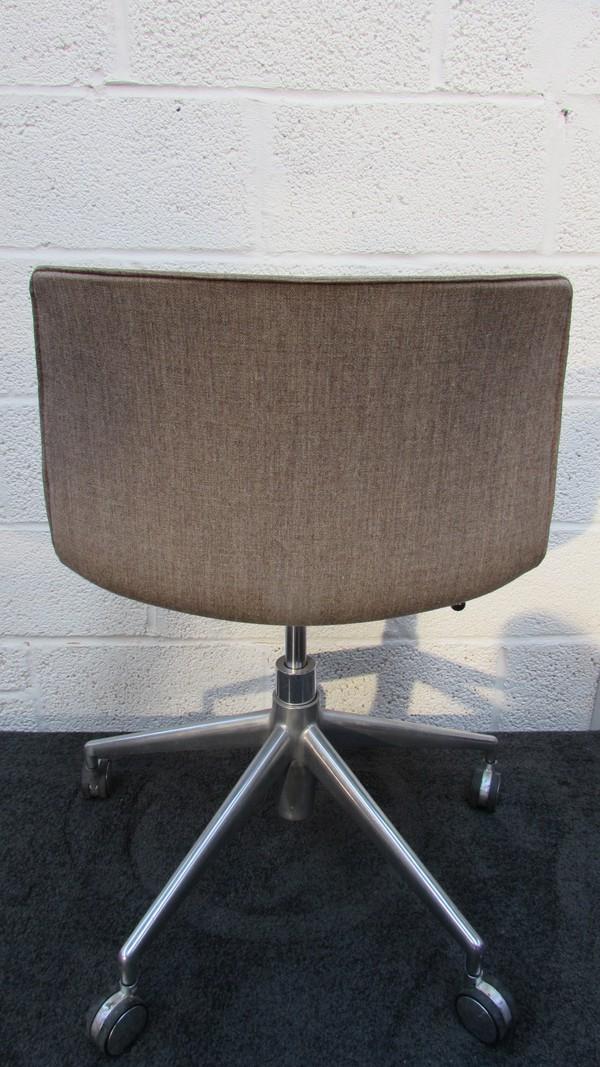 Buy Swivel Desk Chairs