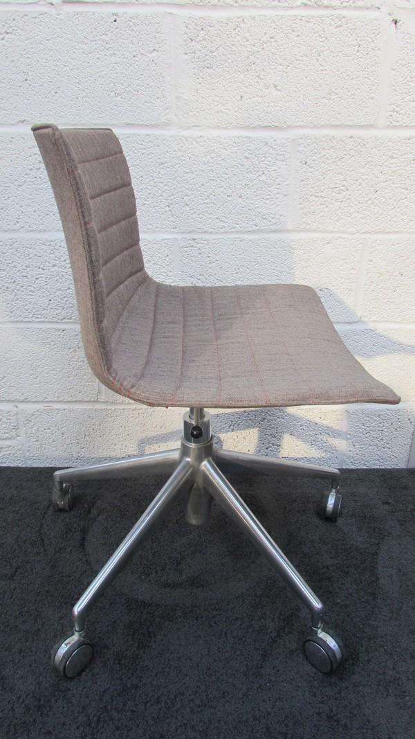 Swivel Desk Chairs for sale
