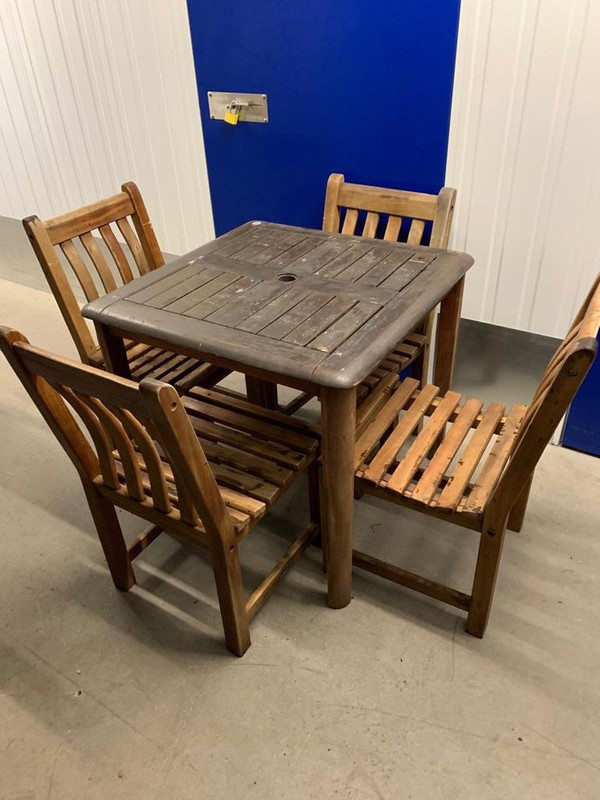 Showpiece  Designs Commercial Outdoor Table & Chairs Set