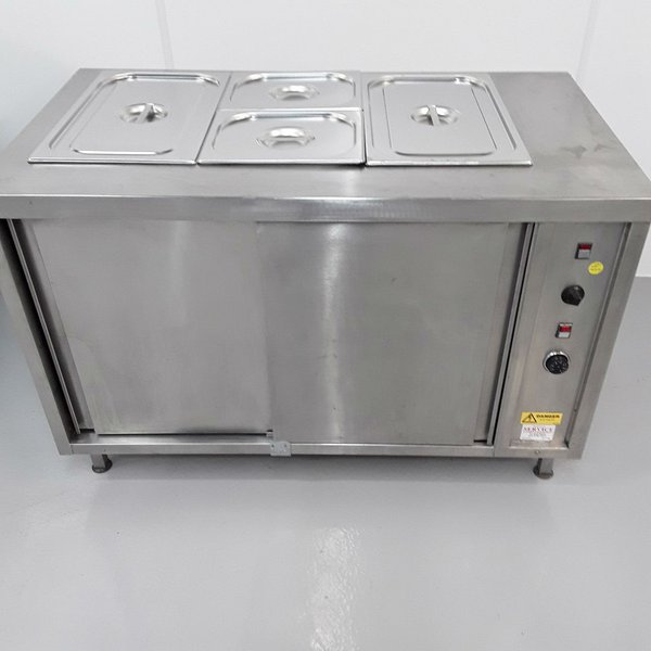 Hot cupboard with bain marie top