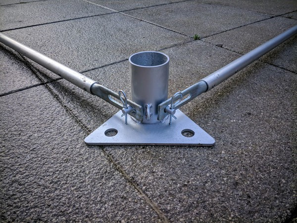 Heavy duty base plate with ground bars