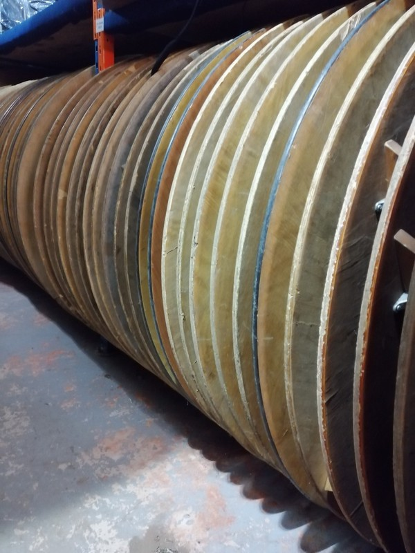 secondhand  Wooden Round Tables