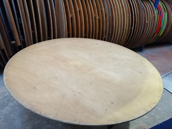 6' Round Tables for sale