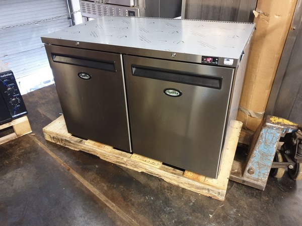 Foster Bench Freezer LR360